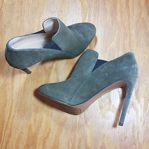 Nine West olive green suede stilleto heel booties